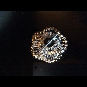 Jewelry - Authentic Vintage Crystal Brooch